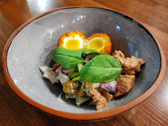 Салат из печени трески с яйцом и огурцом. Вкусный рецепт